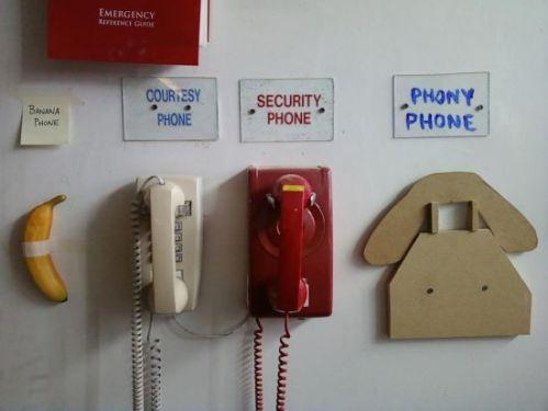 funny-pics-phony-phone